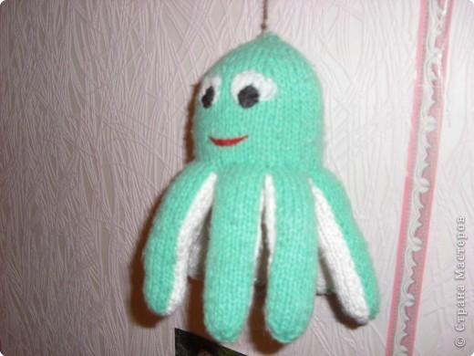 осьминожек,связан спицами фото 1