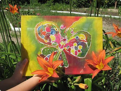 Бабочка и лилии