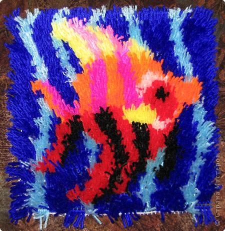 Вышивка ковровая: Рыбка