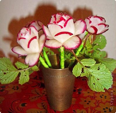 Карвинг: Цветы из редиски фото 1