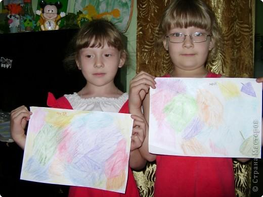 Сестрёнки со своими работами фото 1