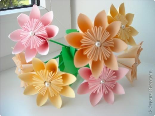 Цветок на основе кусудамы.