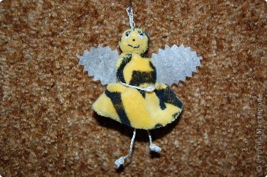 Шитьё: пчелка юля