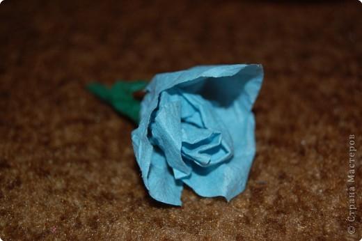 голубая роза из салфеток фото 1