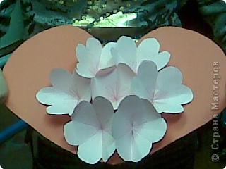 Ещё дети делали и такие валентинки, как делать цветы можно посмотреть у меня в блоге https://stranamasterov.ru/node/6543?u=