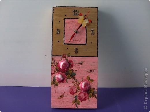 Часы с летающей бабочкой