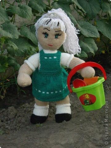 Вязание спицами: Куклы в подарок фото 5
