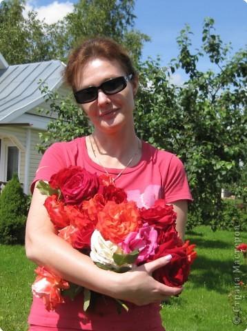 Сердце сложено мною из розовых цветков фото 3