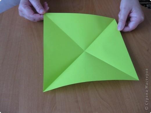 Я впервые делаю МК. Не знаю ,будет ли все понятно. Итак, берем квадратный лист бумаги и намечаем диагональ. фото 2
