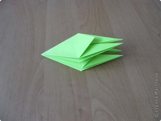 Я впервые делаю МК. Не знаю ,будет ли все понятно. Итак, берем квадратный лист бумаги и намечаем диагональ. фото 22
