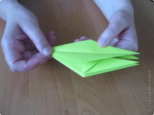 Я впервые делаю МК. Не знаю ,будет ли все понятно. Итак, берем квадратный лист бумаги и намечаем диагональ. фото 23