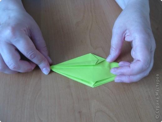 Я впервые делаю МК. Не знаю ,будет ли все понятно. Итак, берем квадратный лист бумаги и намечаем диагональ. фото 24