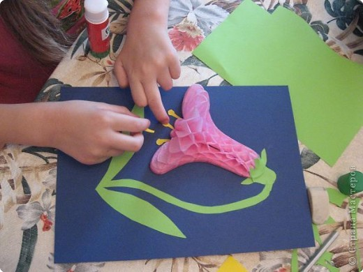 Вот так выглядит набор   объёмной бумаги из которой мы делали цветок. фото 7