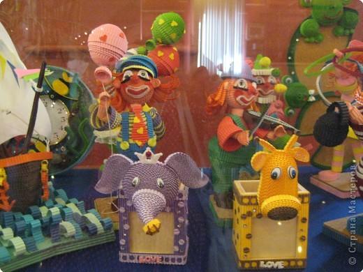 В Дарвиновском музее проходила выставка Бумагомагия, которую организовал Центр Корейского бумажного творчества, которым руководят госпожа Им Сон Ми и Ли Тамара Владимировна. Все работы, представленные на выставке - это работы мастеров Цента Корейского бумажного творчества фото 12