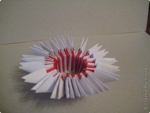Кукла изготовлена методом модульного оригами. Волосы - из нитей. фото 7