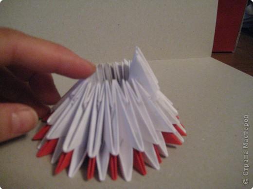 Кукла изготовлена методом модульного оригами. Волосы - из нитей. фото 9
