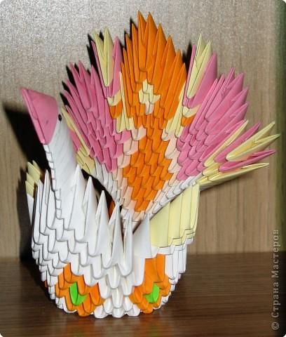 """Тот, который поярче, - из моих любимых блочно-клеевых модулей, накрученных в """"пробках"""" по дороге на дачу :) Птица с финтифлюшным хвостом сделана за один вечер. фото 3"""