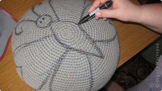 Вязание крючком: очередная пушистая подушка фото 3