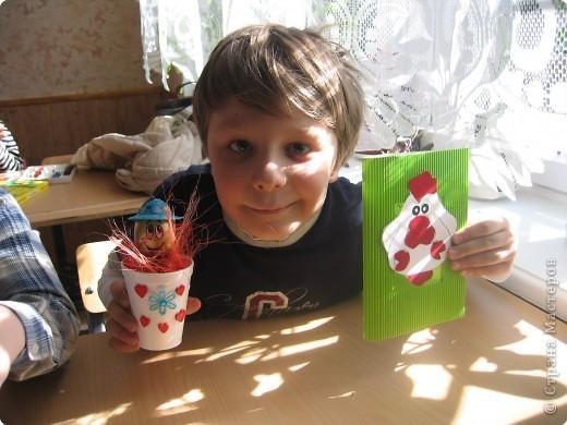 Это мой сын сделал в подарок для бабушки, в этом году. Этот сувенир, как следующий отлично впишутся в интерьер праздничного стола. фото 4