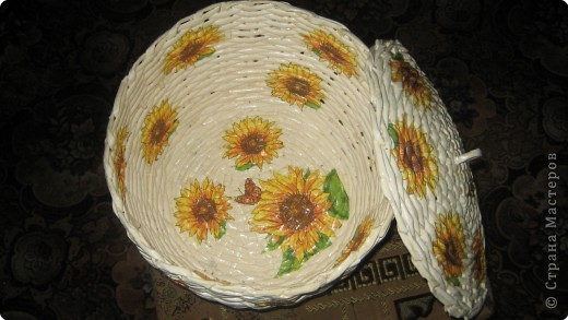 Плетение: корзина из газет фото 3