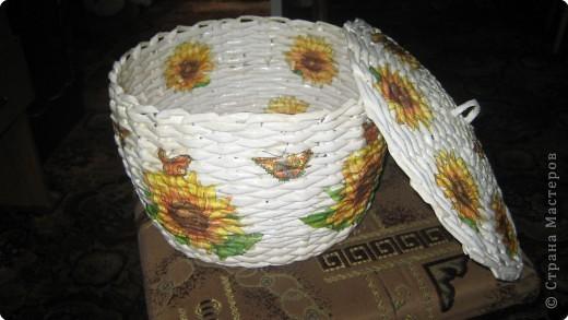 Плетение: корзина из газет фото 2