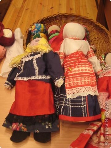 Сегодня к нам приезжали из областного центра по прикладному искусству, и привозили кукол нашей Липецкой области...Оказалось их столько много и каждая кукла имеет свое назначение....Семинар прошел так интересно, и также проводили МК по изготовлению куклы.. фото 4