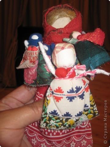 Сегодня к нам приезжали из областного центра по прикладному искусству, и привозили кукол нашей Липецкой области...Оказалось их столько много и каждая кукла имеет свое назначение....Семинар прошел так интересно, и также проводили МК по изготовлению куклы.. фото 6