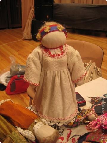 Сегодня к нам приезжали из областного центра по прикладному искусству, и привозили кукол нашей Липецкой области...Оказалось их столько много и каждая кукла имеет свое назначение....Семинар прошел так интересно, и также проводили МК по изготовлению куклы.. фото 8