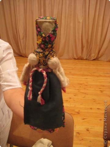 Сегодня к нам приезжали из областного центра по прикладному искусству, и привозили кукол нашей Липецкой области...Оказалось их столько много и каждая кукла имеет свое назначение....Семинар прошел так интересно, и также проводили МК по изготовлению куклы.. фото 10