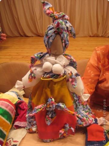 Сегодня к нам приезжали из областного центра по прикладному искусству, и привозили кукол нашей Липецкой области...Оказалось их столько много и каждая кукла имеет свое назначение....Семинар прошел так интересно, и также проводили МК по изготовлению куклы.. фото 11