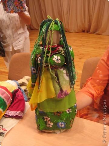 Сегодня к нам приезжали из областного центра по прикладному искусству, и привозили кукол нашей Липецкой области...Оказалось их столько много и каждая кукла имеет свое назначение....Семинар прошел так интересно, и также проводили МК по изготовлению куклы.. фото 12