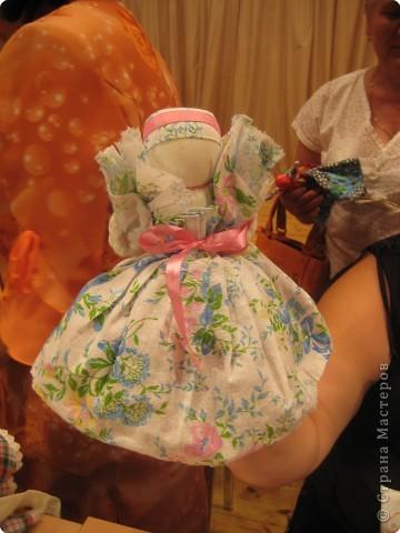 Сегодня к нам приезжали из областного центра по прикладному искусству, и привозили кукол нашей Липецкой области...Оказалось их столько много и каждая кукла имеет свое назначение....Семинар прошел так интересно, и также проводили МК по изготовлению куклы.. фото 19