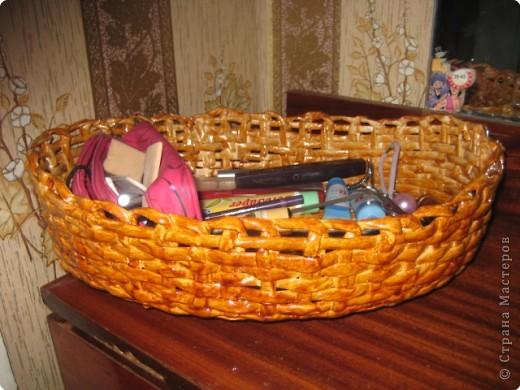 Овальная с ручкой, эту корзину я сплела для модульных лебедей которых буду дарить на свадьбу...Потом покажу как это будет смотреться.... фото 4