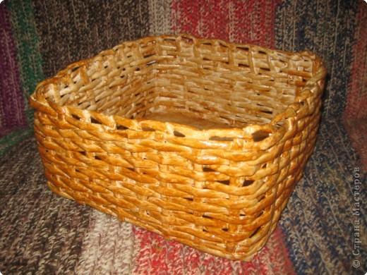 Овальная с ручкой, эту корзину я сплела для модульных лебедей которых буду дарить на свадьбу...Потом покажу как это будет смотреться.... фото 6