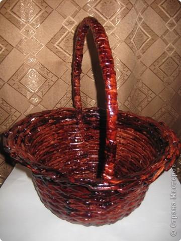 Овальная с ручкой, эту корзину я сплела для модульных лебедей которых буду дарить на свадьбу...Потом покажу как это будет смотреться.... фото 5