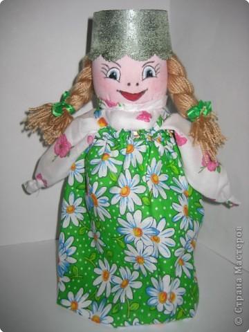 Это куклу изготовила не случайно. Меня попросили изготовить свою авторскую куклу...У нас собирают материал о творческих людях, и тех кто увлекается куклами, ну вот и я попала в их список...
