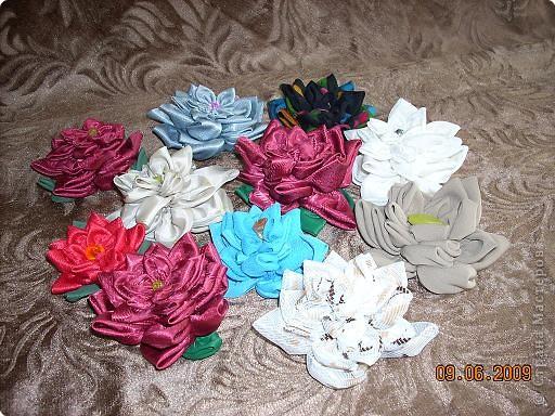 Цветы из кругов ткани.  фото 2