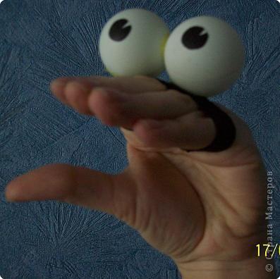 Игрушка на руку. Глазастик к  дню рождения моего десятилетнего мальчишки фото 2