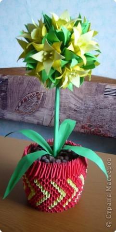 "Оригами модульное: Цветок ""Лилия"" фото 1"