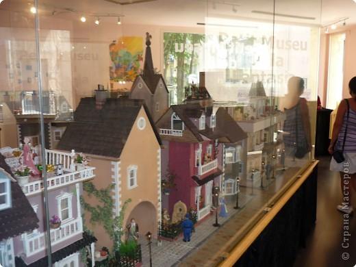 В Жироне набрели на небольшой, видимо, частный Музей миниатюр.Вот, что мы там увидели...  фото 8