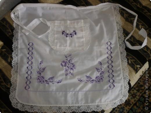 У нас в гостях тётя моего мужа .  И сегодня я познакомила её со Страной  которую люблю посещать. Реакция- восторг!!! По определённым причинам тётя не пожелала показать своего лица \я думаю Вы простите её за это\ , зато она с огромным желанием согласилась поделиться с Вами своим творчеством. Это повседневная одежда мароканки називается-ткшита. фото 10