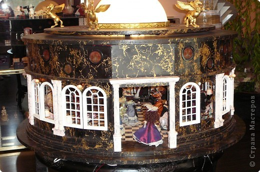В Жироне набрели на небольшой, видимо, частный Музей миниатюр.Вот, что мы там увидели...  фото 2