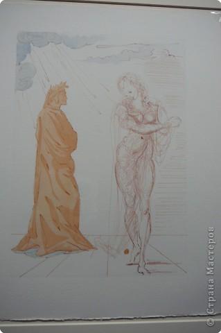 Сальвадор Дали- самый богатый в мире художник,самый известный в мире каталонец.. Он родился, жил, творил и умер в Фигейрасе, осуществив самый грандиозный проект своей жизни: «Театр-Музей».   Громадные яйца покрывающие крышу музея - это любимейшие символы Дали , которые он считал основой жизни… фото 18