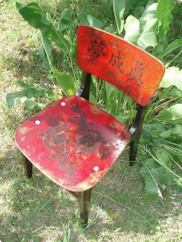 этот стул мы нашли. Трафарет, кракелюр, декупаж, и стул готов фото 2