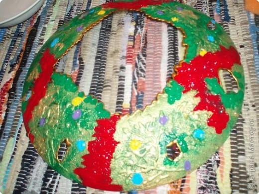 Алина делала тарелку в новогоднем стиле. Почему в новогоднем? Потому что из всех салфеток ей приглянулся щелкунчик. Перед началом обезжириваем тарелку с обратной стороны, любым моющим стекло средством. фото 11