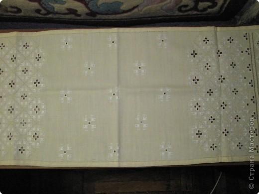 Это моя первая работа в этой технике, выполненная в 15 лет. Тогда это называли полтавская народная вышивка. Позже я узнала, что это еще и хардангер называется. фото 2
