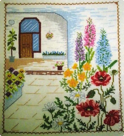 Вышивка крестом: Окно и дворик фото 2