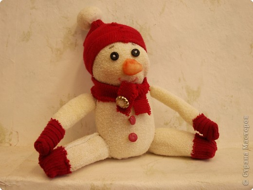 Игрушка мягкая: Снеговик, который не тает.