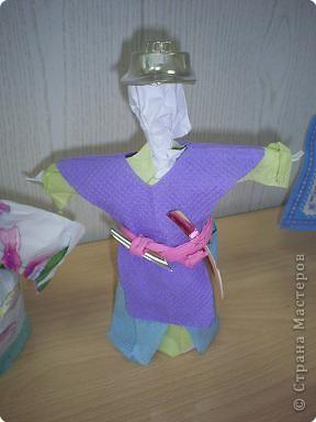 кукла из мятой бумаги. фото 3
