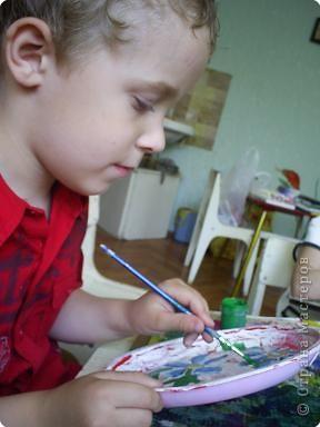 Кириллу Глебову 5 лет. Это его первые расписные тарелочки . фото 3